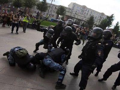 Задержание Павла Устинова, Москва, 3.8.19. Фото: www.youtube.com/watch?v=sP7q7CmpFuw