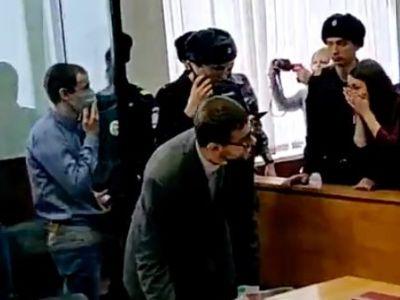 """Приговор по делу """"Сети"""", прощание осуждённых с родными. Фото: www.facebook.com/allagut"""