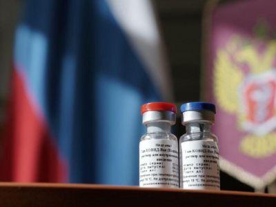 Вакцина Спутник V. Фото: Дмитрий Куракин / пресс-служба Минздрава России